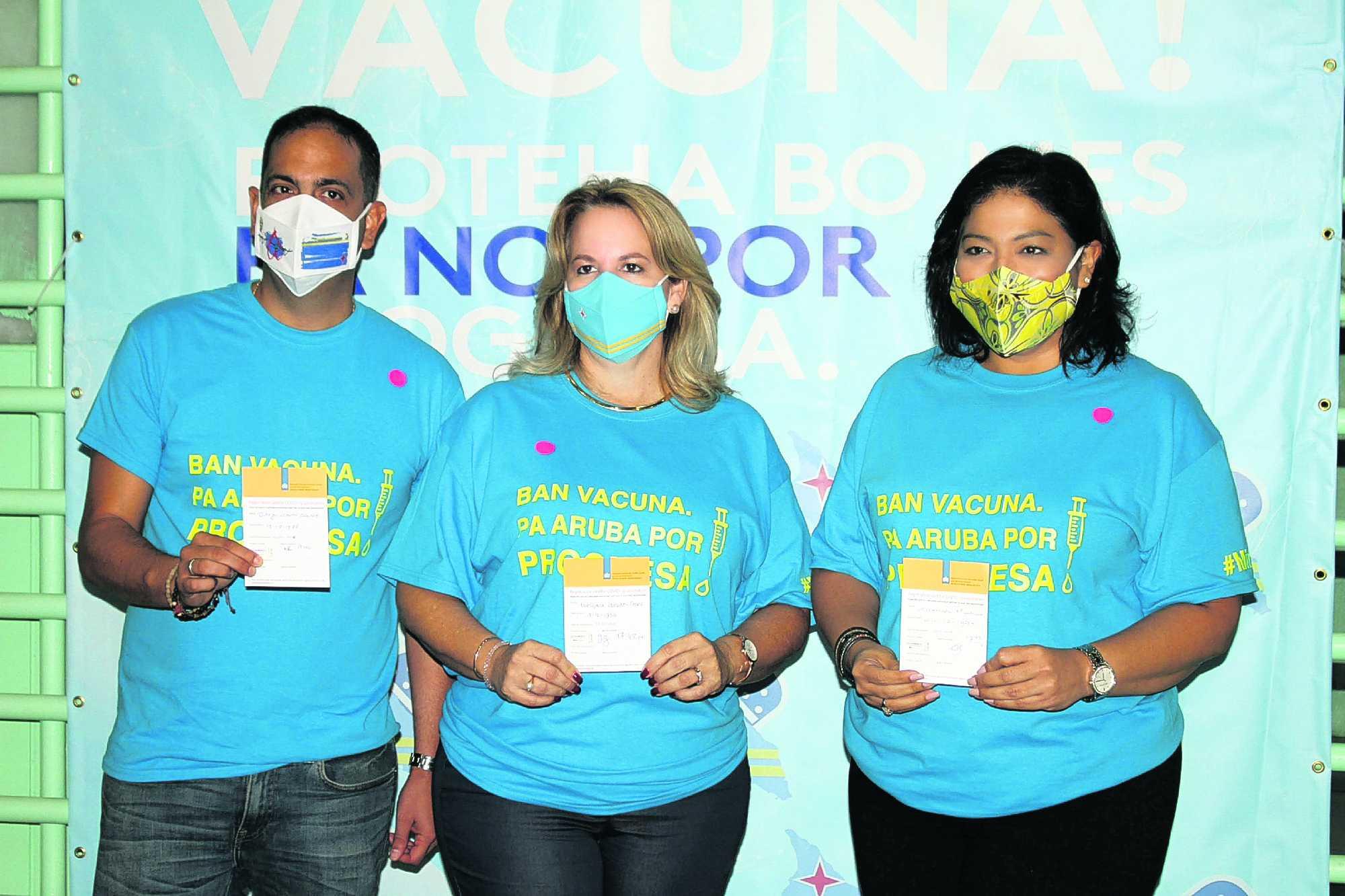 Minister Dangui Oduber tambe a haya su vacuna contra COVID-19