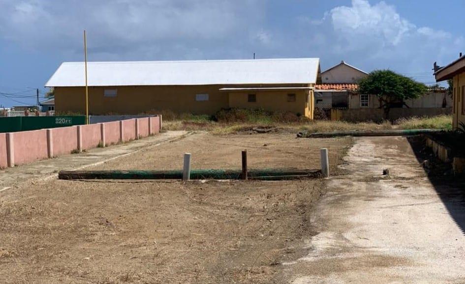 Gobierno: Percurando pa haci varios veld rond di Aruba limpi