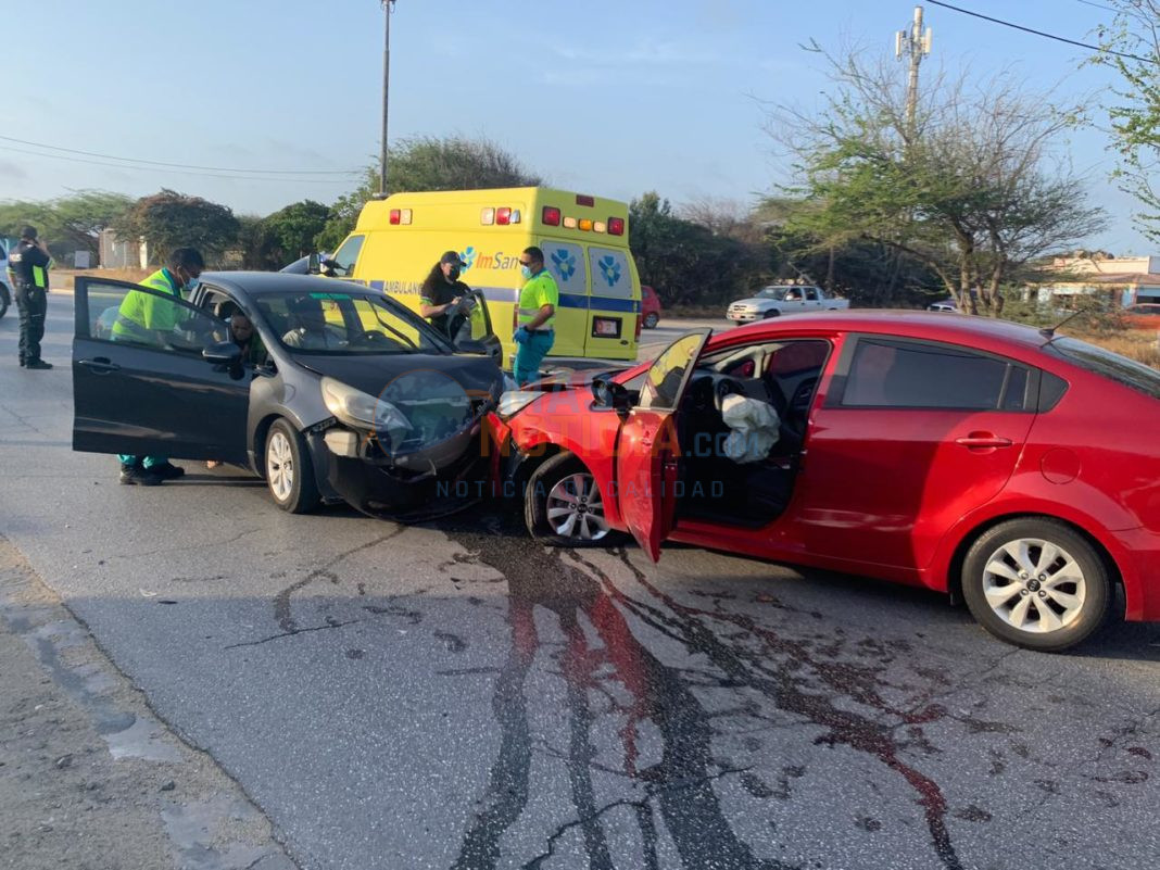Tres Kia Rio den un accidente