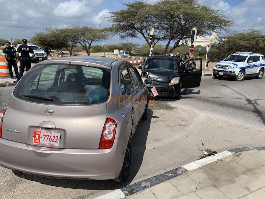 Accidente pa falta di preferencia na crusada Palm Beach cu persona herida