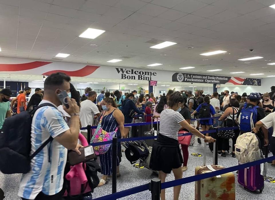 Aeropuerto a pidi Gobierno ayudo pa soluciona filanan largo