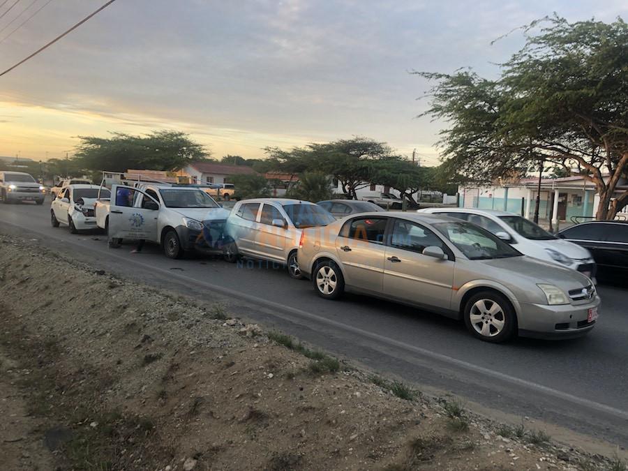 Accidente cu cuatro auto envolvi na Pos Chikito