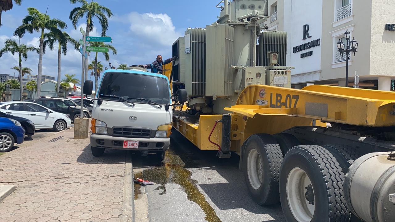 Trafico den Playa tranca: Azeta peligroso a basha riba caminda