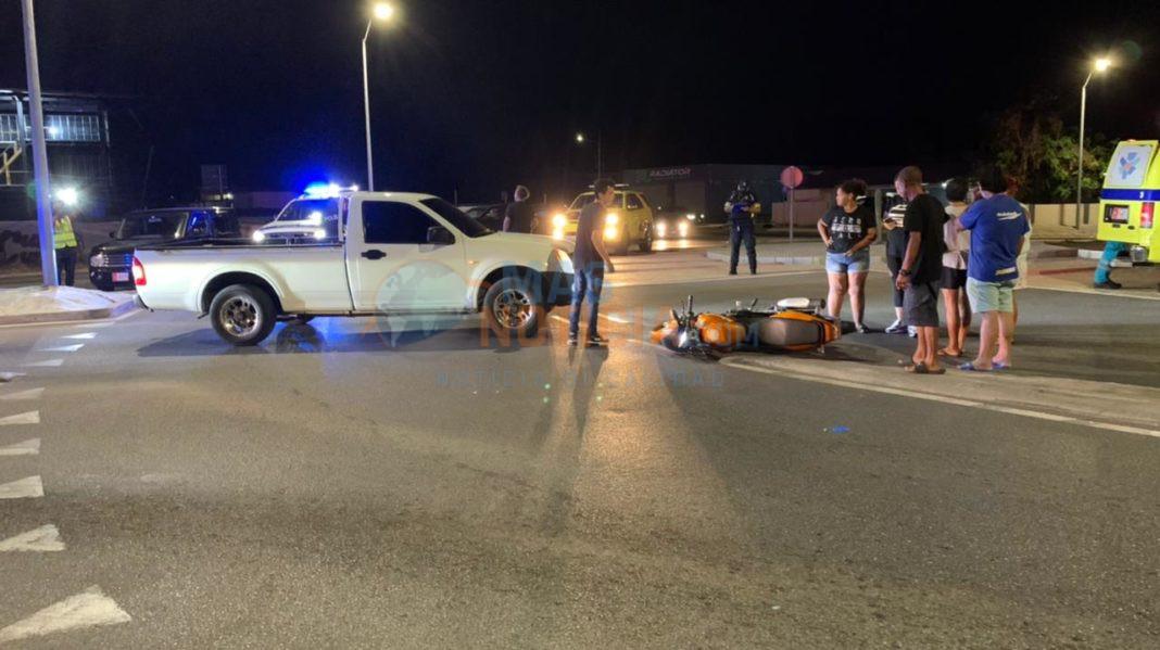 Accidente entre pickup y un motociclista na rotonde Sero Patrishi