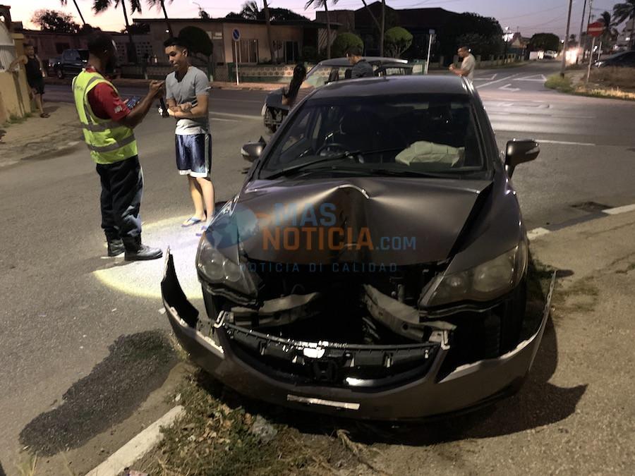 Dos auto ta accidenta na crusada Prof Lorentzstraat