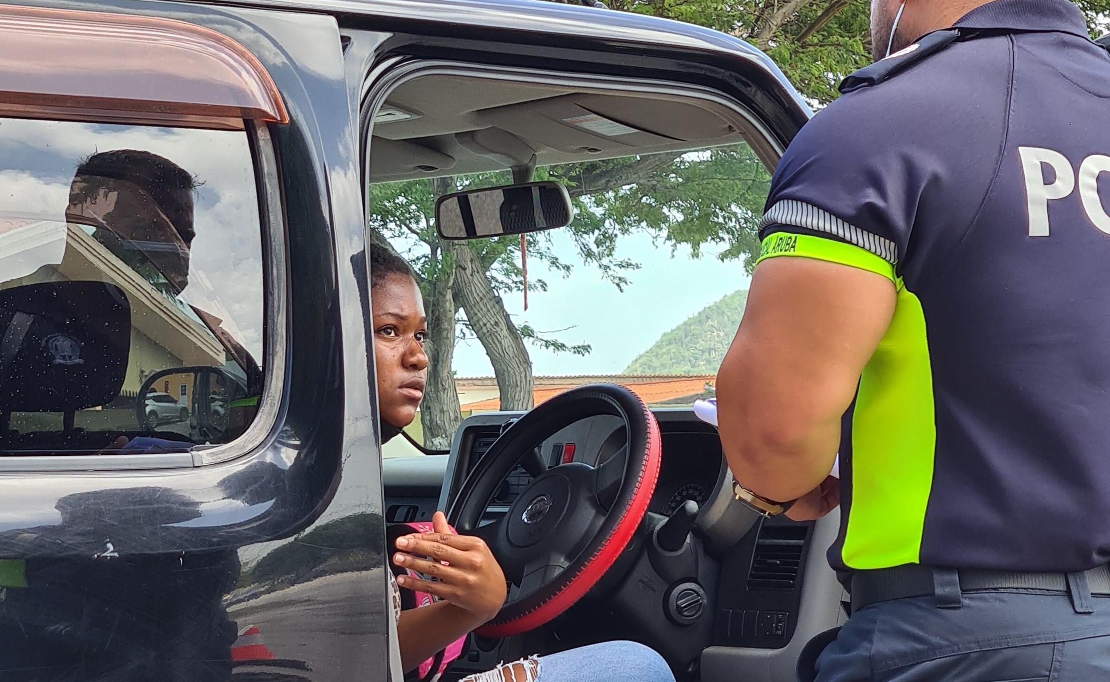Chauffeur sin rijbewijs ta causa accidente na Paradera