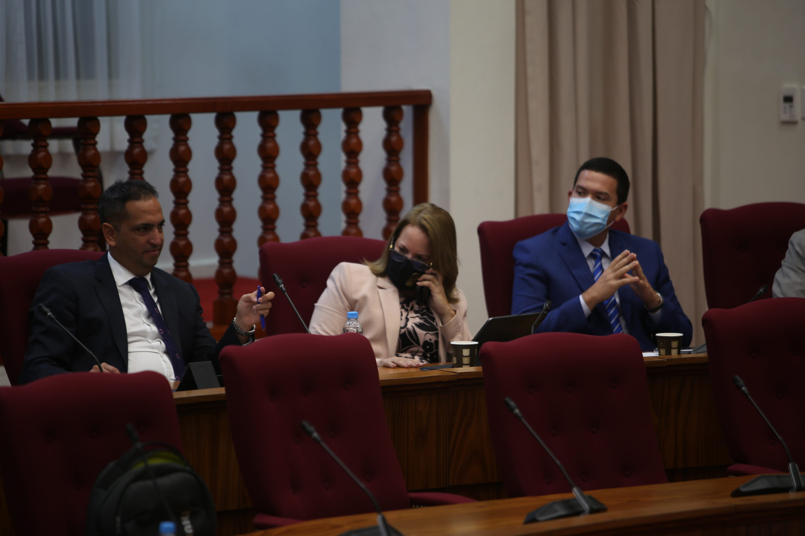 MEP: Tur parlamentario bou investigacion tin cu bandona nan funcion