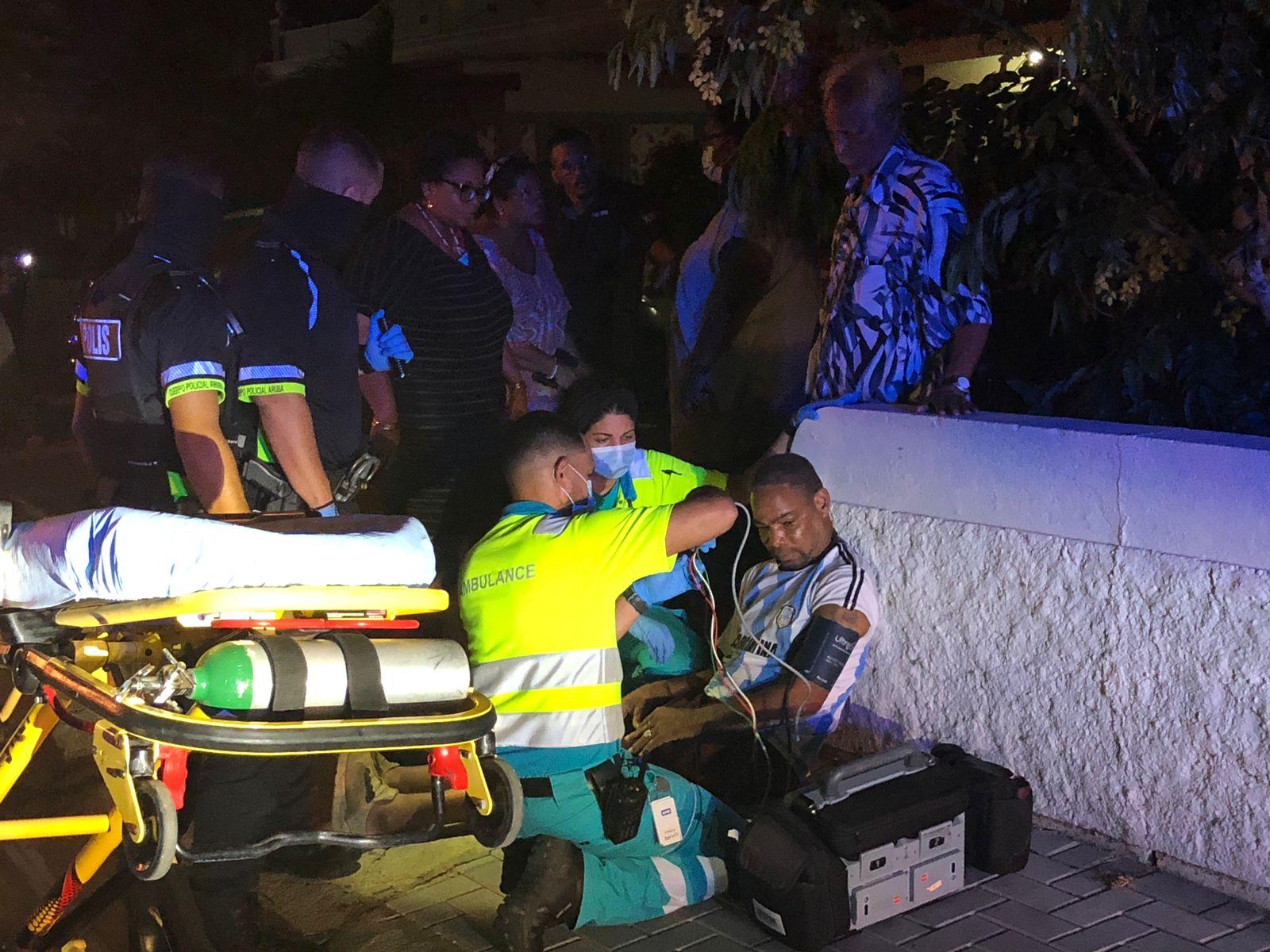 Homber cu limitacion herida den accidente