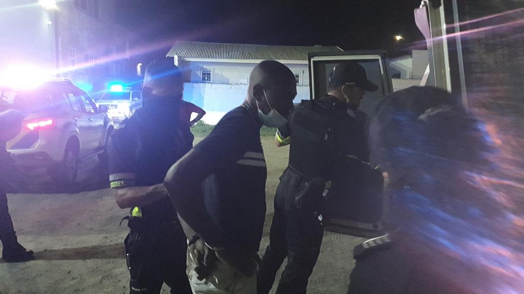 Otro chauffeur bou influencia di alcohol deteni