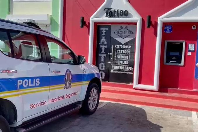Intento di ladronicia: A purba kibra ATM na Tanki Leendert