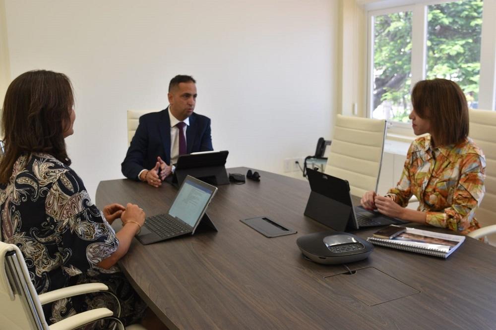 Minister Dangui Oduber a reuni cu gerencia di ATA riba su maneho y vision 2021-2025