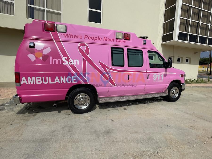 Como luna di conscientisacion di cancer a pone un ambulance ful na ros