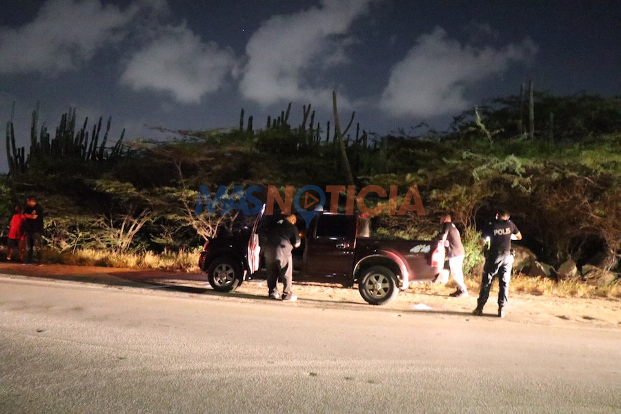 Dos pickup ta accidenta na Shiribana y chauffeurnan a keda deteni