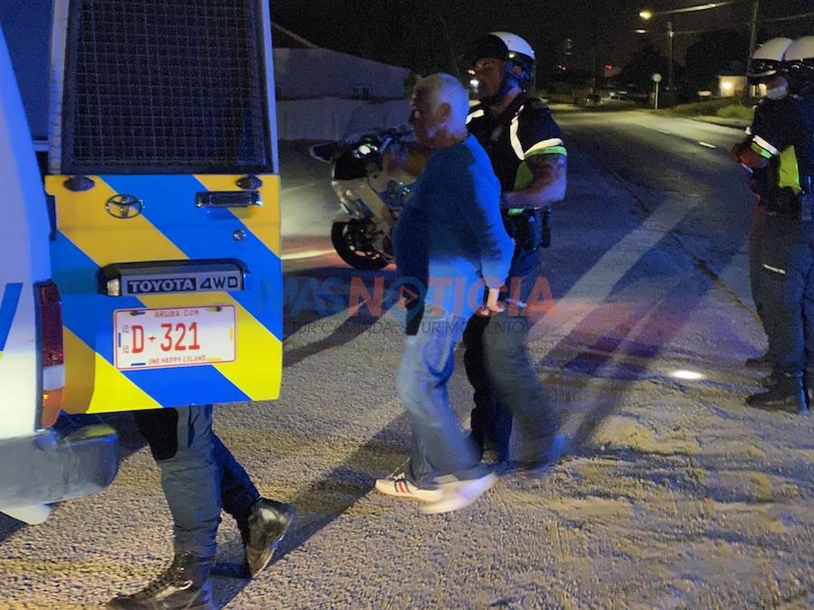 Polis motorisa a para chauffeur bebi na Tanki Leendert